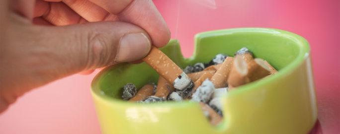 Rökavvänjning är den process du går igenom för att bli av med vanan att inhalera röken från tobaksprodukter.