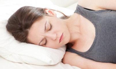 så vet du om ditt halsont är halsfluss eller förkylning