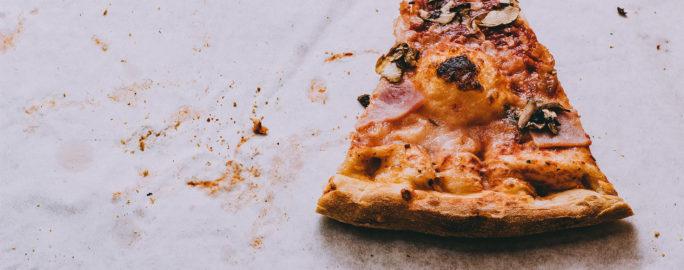 För vissa personer med känsliga magar kan fet mat ge ökade besvär.