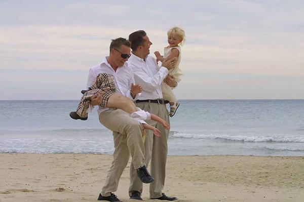 Föräldrar på stranden