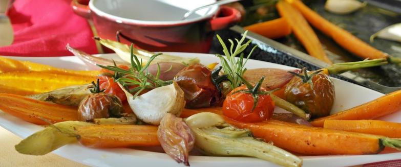 Ugnsrostade grönsaker är bra lunchalternativ vid detox.