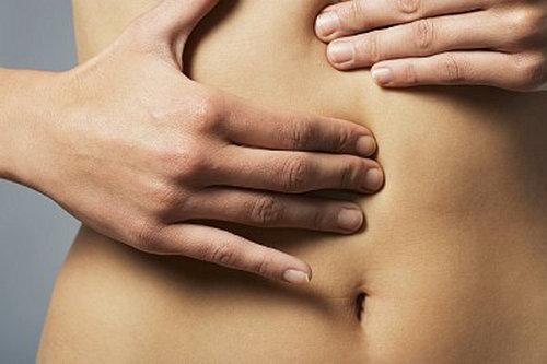 ont i magen efter bajsat