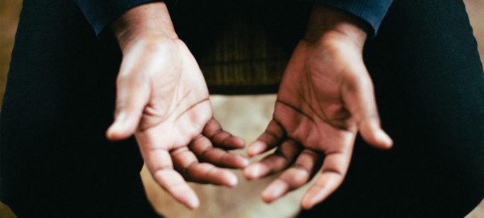 reumatisk värk händer