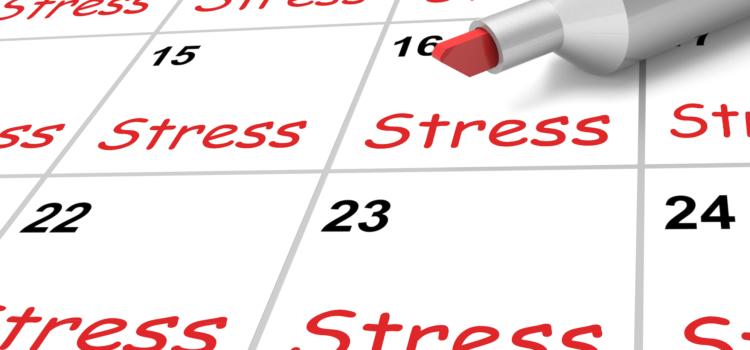 Kalender med ordet stress ifyllda