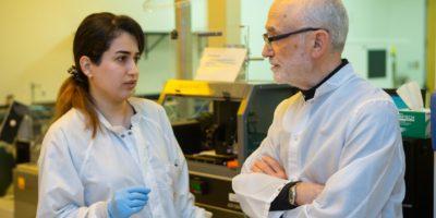 En manlig och en kvinnlig stressforskare diskuterar