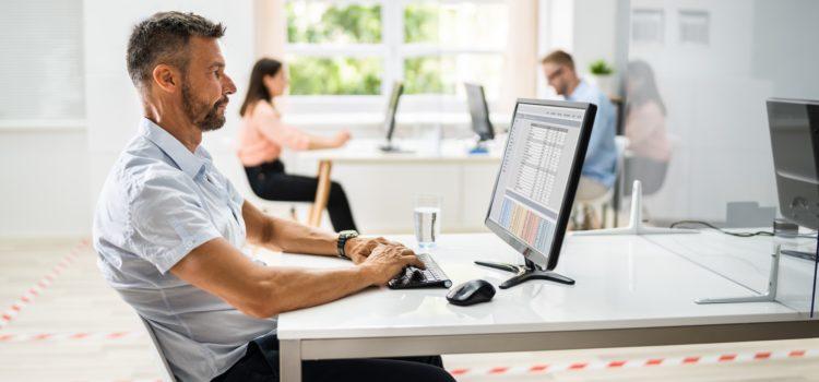 Personer på ett kontor