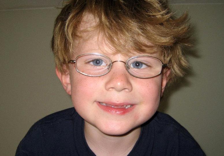 satsar på ny glasögonreform för unga