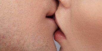 smittar munherpes till kön