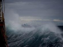stormigt-vatten-orolig