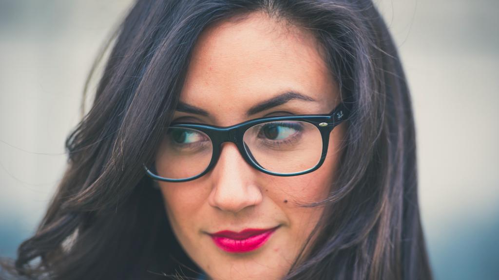 kvinna-glasogon-renoptik