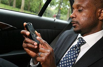 Man-med-mobil