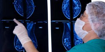 cancer armhålan symptom
