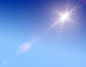 Solen skiner och kan ge upphov till hudcancer
