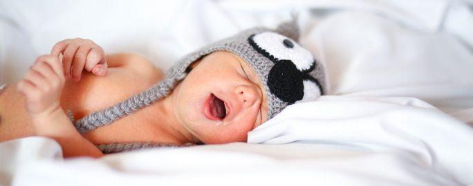 bebis-sjuk-ledsen