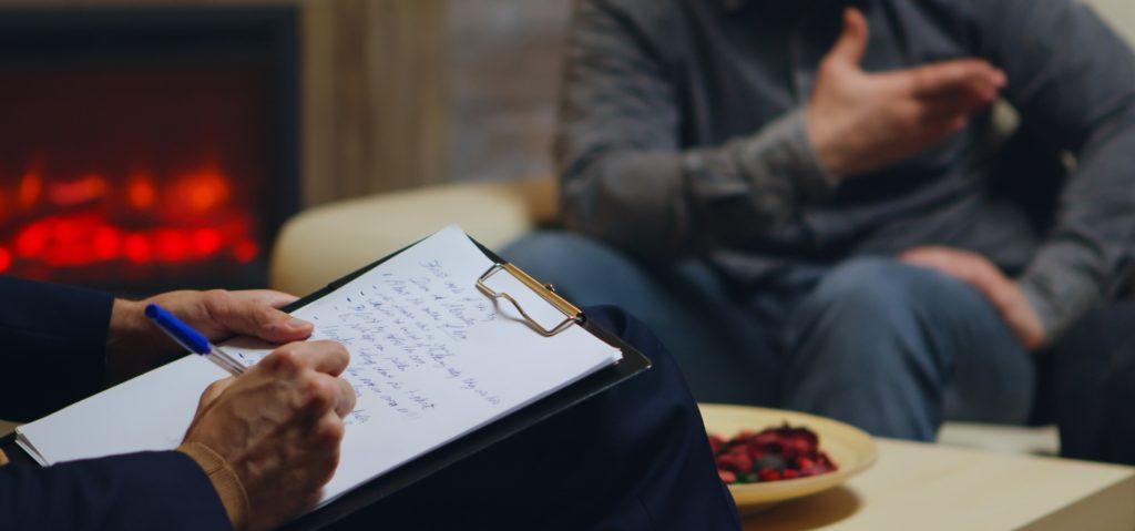 Samtal mellan psykolog och klient